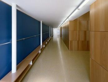 Primary School Schlins - corridor
