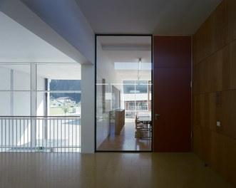 Primary School Schlins - view into classroom