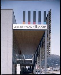 Arlberg Well.com - detail of facade