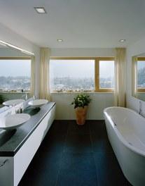 2 Residences - bathroom