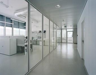 Anna Spiegel Forschungszentrum + CEMM - corridor