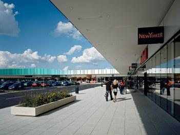 Marchfeldcenter - outside mall