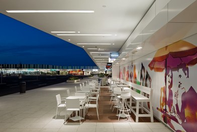 Marchfeldcenter - terrace cafe at night