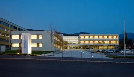 LKH Wolfsberg - Lympf Clinic - general view at night