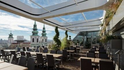 Shoppingcenter Gerngross - terrace with restaurant