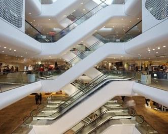 Shoppingcenter Gerngross - escalators and floors