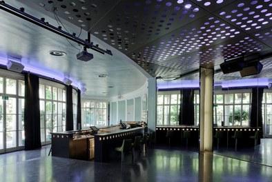 Volksgarten Disco | conversion - Säulenhalle