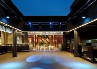 Volksgarten Disco | conversion - dancefloor with open roof