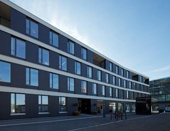 Housing and Business Location Am Garnmarkt - north facade