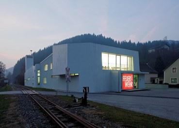 Fire Department Ybbsitz - entrance at night