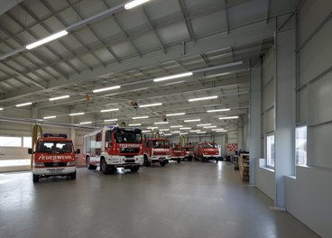 Fire Department Ybbsitz - hall with fire engines