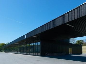 Agricultural Building Zentralfriedhof - workshop building