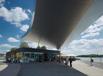 Schifffahrts – und Welterbezentrum Wachau - ticket center and restaurant