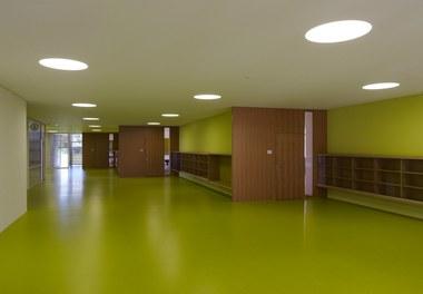 Primary School Wallenmahd - lobby