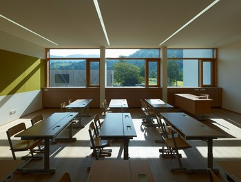 Primary School Wallenmahd - class room