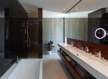 Residence L - bathroom