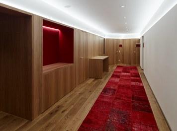 Hotel Schwärzler | conversion - corridor