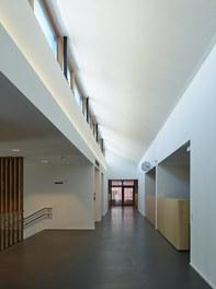 Housing Estate and Kindergarten Steinbockallee - main hall