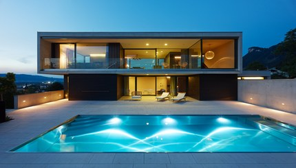 Residence W - terrace and pool at night