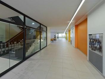 Bundesschulzentrum Ried - corridor