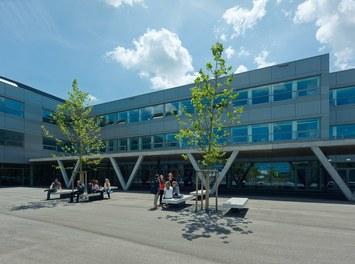 Bundesschulzentrum Ried - courtyard