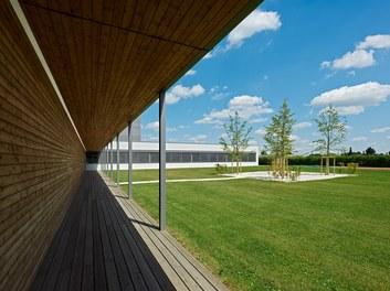 Bundesschulzentrum Ried - walkway