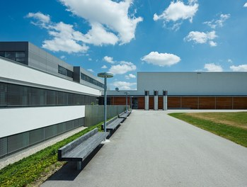 Bundesschulzentrum Ried - approach
