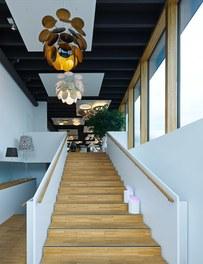 Dorfelektriker + Dorfinstallateur Götzis - entrance to light studio