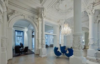 Motel One Staatsoper - lobby
