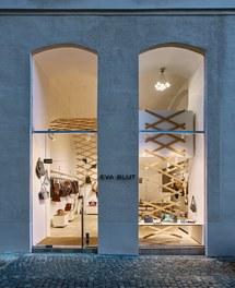 Shop Eva Blut - detail of facade