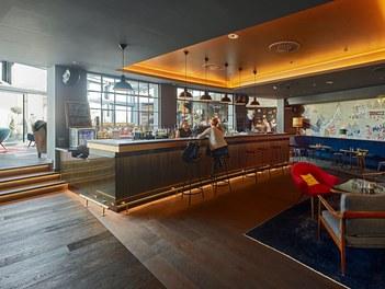 Stafa Tower - hotel bar and lobby
