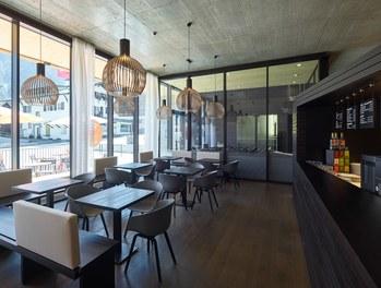 M Preis + Apartment House - shop