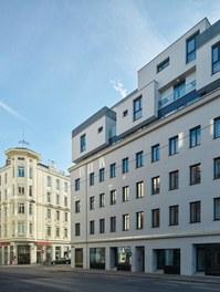 Housing Estate Schönbrunnerstrasse - north facade