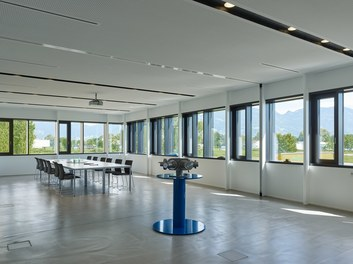 Headquarter Kugelfink - multi-purpose hall