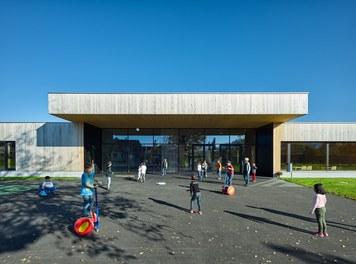 Primary School Höchst - entrance