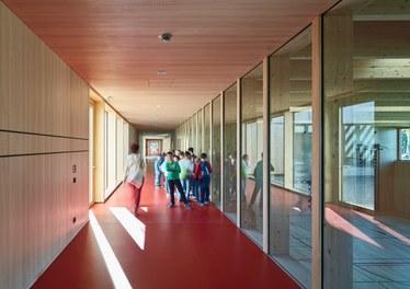 Primary School Höchst - corridor
