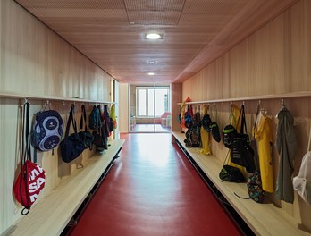 Primary School Höchst - wardrobe