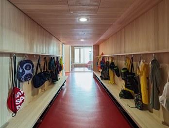 Primary School Höchst - wardrobe