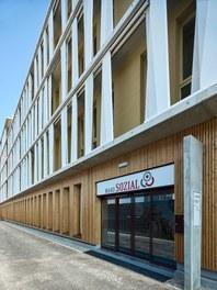 Office Building Aspern - entrance