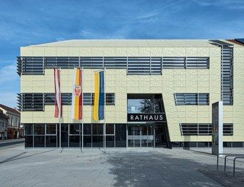 City Hall Herzogenburg - view from square