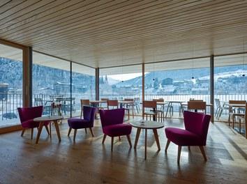 Tannahof - lobby and cafe