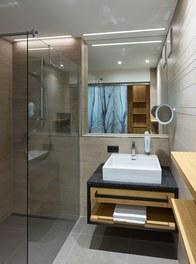 Hotel Waldhof - bathroom