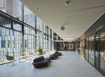 Hospital Krankenhaus Nord - main street