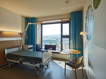 Hospital Krankenhaus Nord - patient´s room