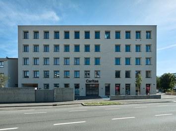 Katholisches Kompetenzzentrum Herrnau - view from street