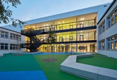 High School ENK; conversion - courtyard