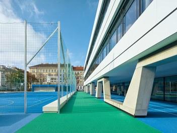 High School ENK; conversion - courtyard with sportsground