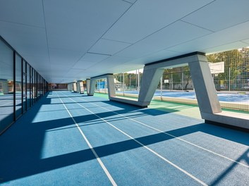 High School ENK; conversion - courtyard with sportsground